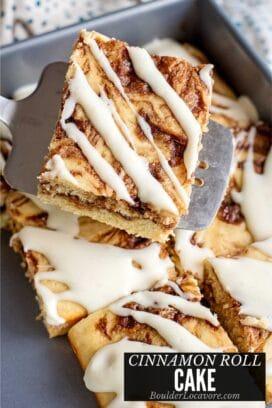 cinnamon roll cake title image