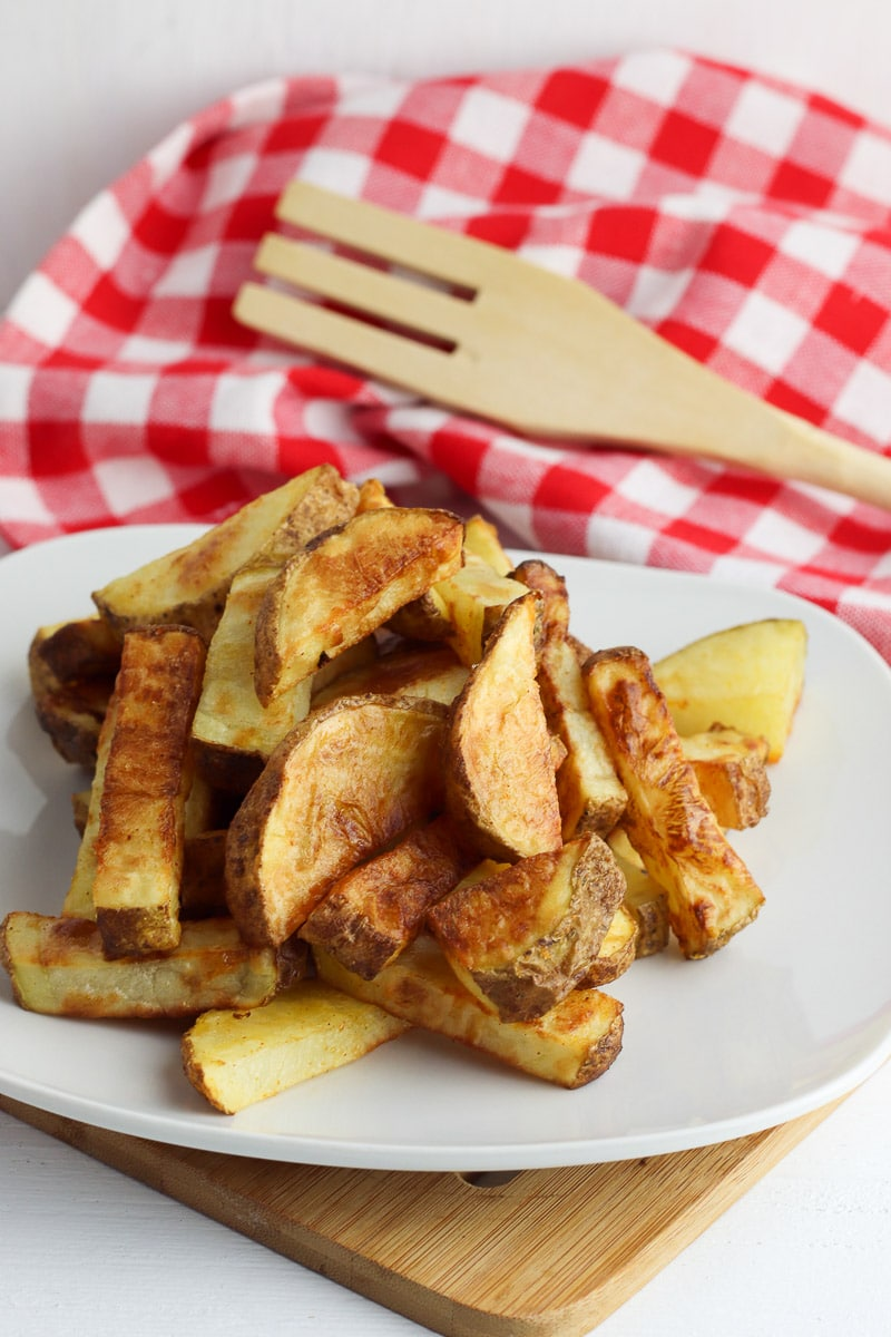 air fryer potato wedges on plate