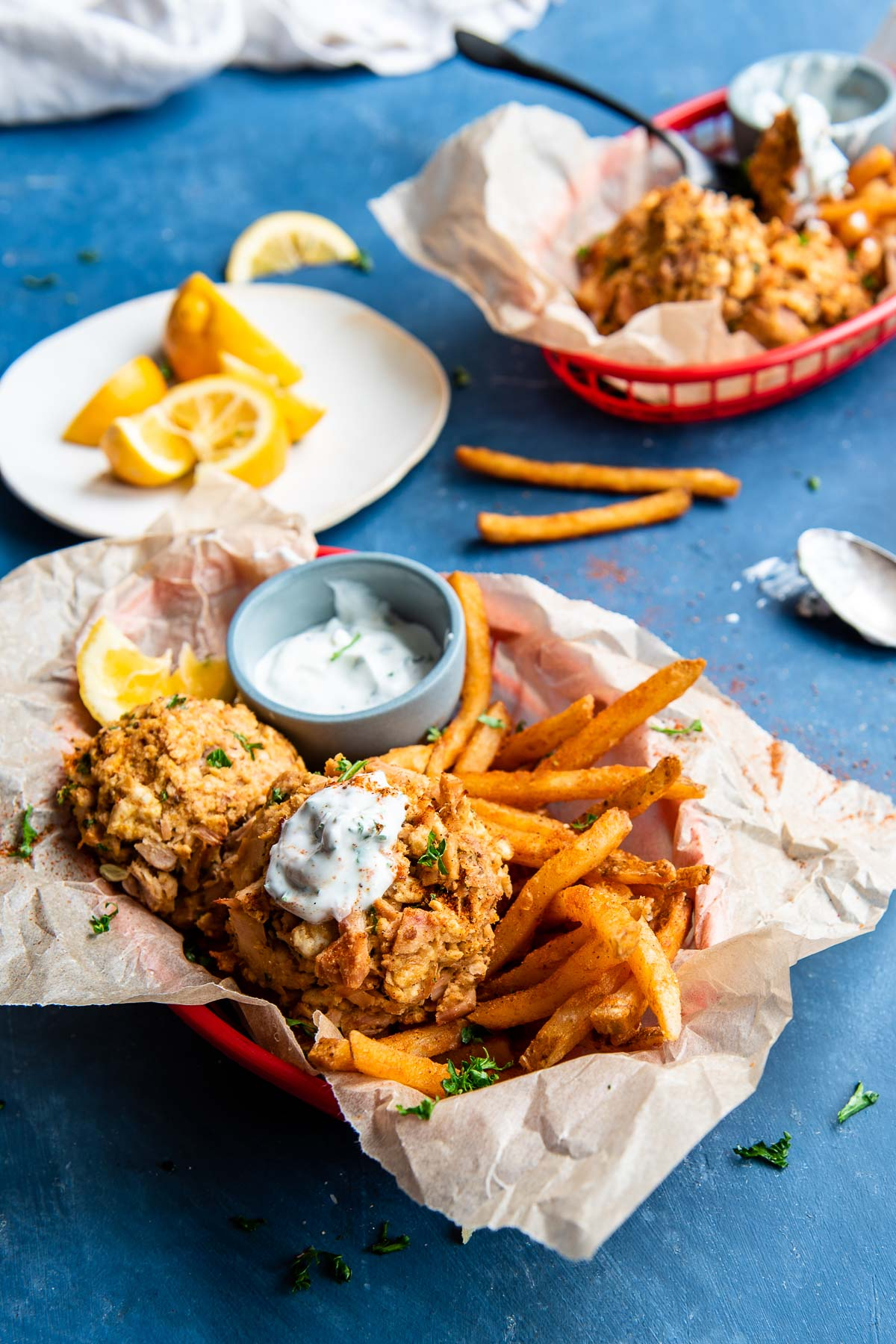 tuna cakes with fries in 2 servings