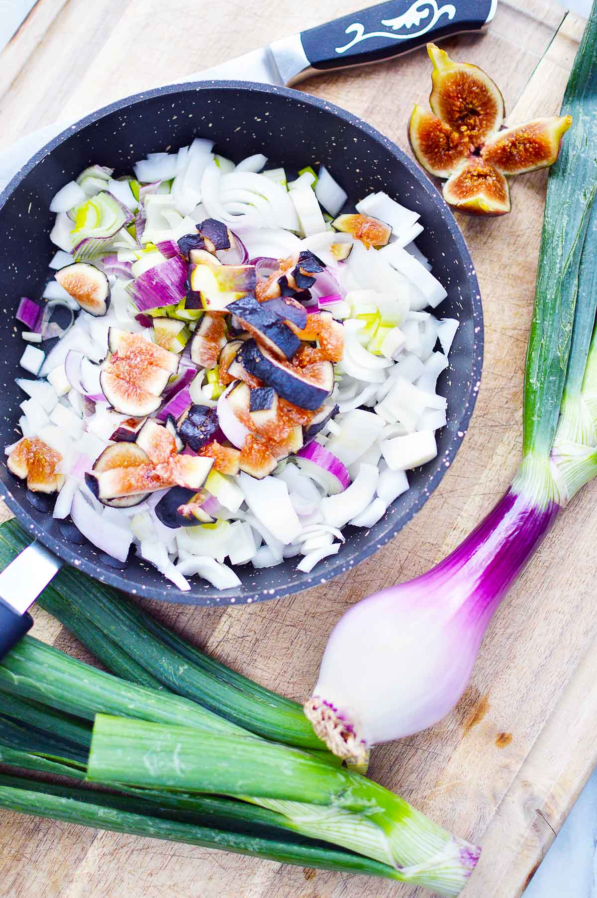 onions and figs in skillet