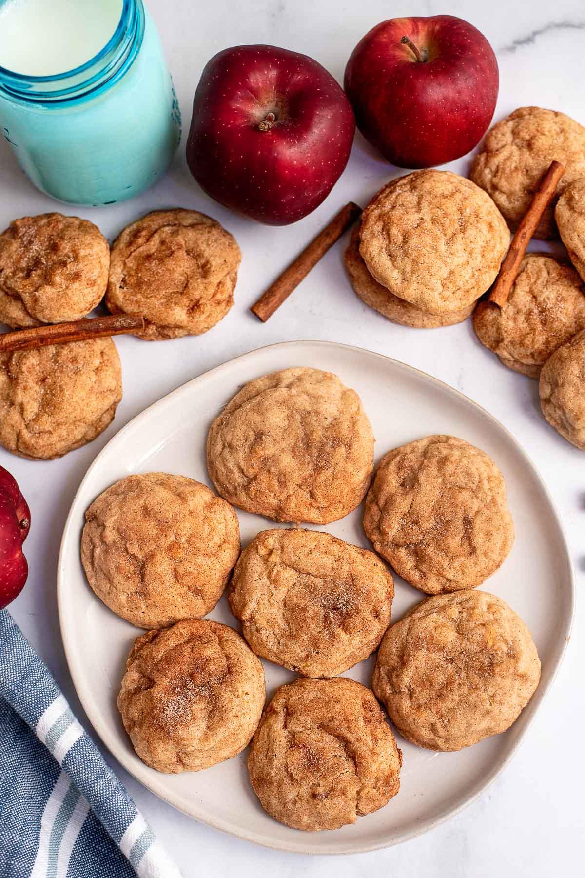 apple cookies on platter