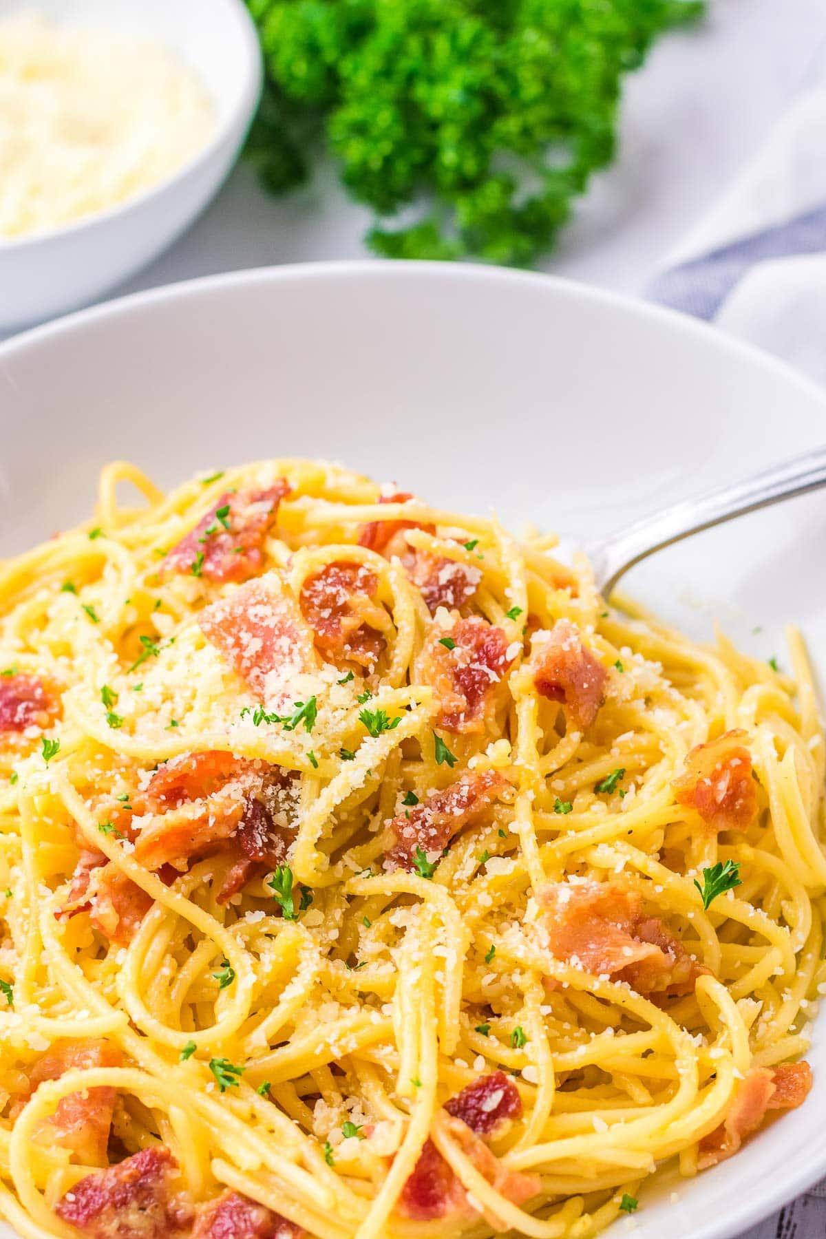 spaghetti carbonara in bowl close up-2