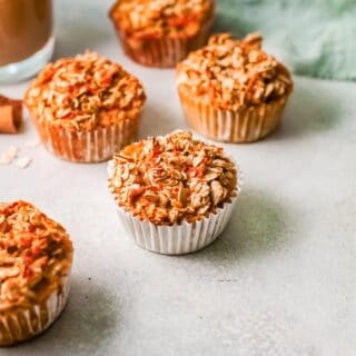 carrot cake baked oatmeal cups title